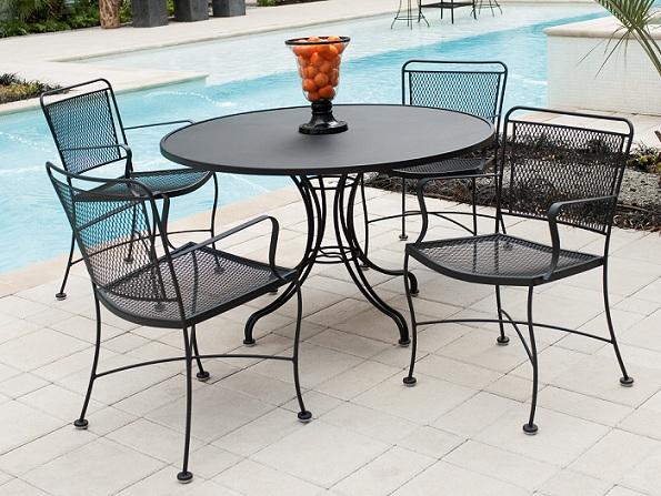 Perfect Clic Iron Outdoor Furniture Set New In Laundry Room At
